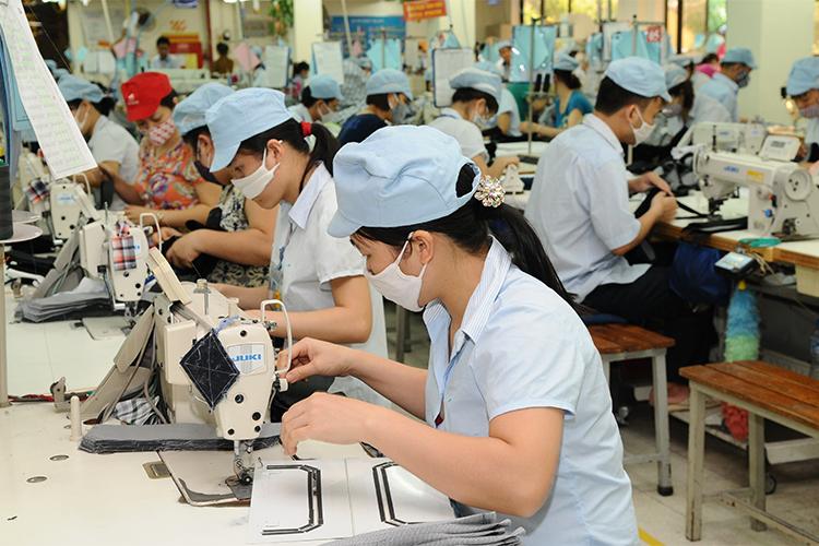 Phát triển DN tài chính trong liên doanh ngành dệt may